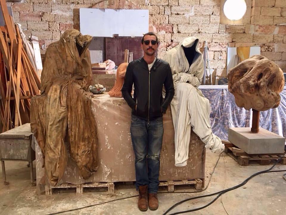 Corrado Fortuna_riprese_Non c'è Kampo_il regista romano Federico Moccia sceglie il Laboratorio Artistico di Giuseppe Corrado.jpg